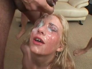 Corrida facial abundante video de Sexo amateur