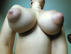 Tetas raras mostrandolas por webcam video Chicas con webcam