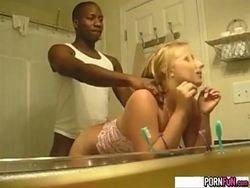 Mamando al negro video Interracial