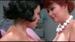 Wilma y Betty picapiedra como jamás las vistes video Sexo y humor